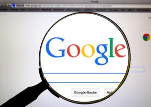lupe-zeigt-auf-google-meta-description